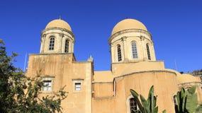 Bliźniak kopuła w Historycznym miejscu stary kościół Agia Triada Grecja Obrazy Stock