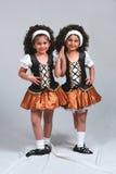 bliźniaczki tańczące fotografia stock