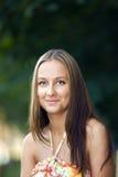 Blick der jungen Frau auf Sie Lizenzfreies Stockbild