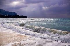Blick der Sonne am Vorabend des Sturms, der Indische Ozean Stockfotos