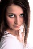 Blick des jungen Mädchens ernst Lizenzfreie Stockfotografie