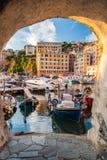 Blick des kleinen Hafens von Camogli, nahe Genua Lizenzfreies Stockfoto