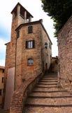 Blick einer umbrian mittelalterlichen Stadt Stockbilder