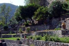 Blick eines typischen mittelalterlichen Dorfs Stockbild