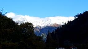 Blick nas montanhas da neve de StMartin Fotografia de Stock Royalty Free