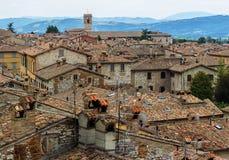 Blick von Gubbio, mittelalterliche italienische Stadt Lizenzfreie Stockfotografie