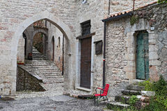 Blick von Visso, schönes Dorf in der Provinz von Macerata Stockfoto