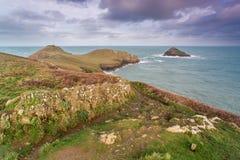 Blicken in Richtung der Hinterteile in Cornwall Großbritannien Lizenzfreies Stockbild