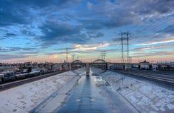 Blicken in Richtung der 6. Straßenbrücke Stockfotografie