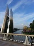Blicken in Richtung des Eiffelturms von der Billancourt-Brücke Lizenzfreies Stockfoto