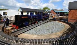 Blickling Hall Narrow Gauge Steam Train auf der Drehscheibe an Wroxham-Station auf der Bure-Tal-Eisenbahn Norfolk Stockfotos