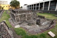 Blijft van Azteekse tempels bij het Plein DE las Tres Culturas royalty-vrije stock fotografie