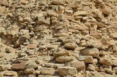 Blijft van de oude piramide Stock Afbeeldingen