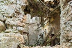 Blijft van een geruïneerd huis Royalty-vrije Stock Afbeelding