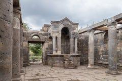 Blijft van een oude synagoge in de ruïnes van oude Joodse regeling Umm el Kanatir - Moederbogen op Golan Heights royalty-vrije stock foto