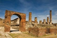 Blijft van een tempel in Pompei, Italië Stock Afbeeldingen