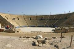 Blijft van het Oude Roman theater in Caesarea, Royalty-vrije Stock Afbeeldingen