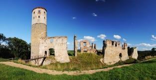 Blijft van oud middeleeuws kasteel, Tsjechische Republiek Stock Foto's