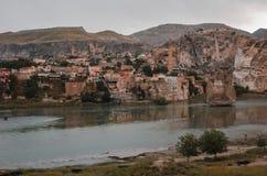 Blijft van oude gebouwen in Hasankeyf, Turkije Stock Foto