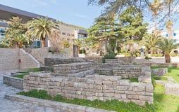 Blijft van Roman necropool in Budva stock fotografie
