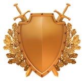 Blindaje del oro con las espadas cruzadas en el fondo Foto de archivo