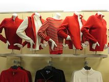 Blinde Anzeige von Winterkleidung Stockfotos