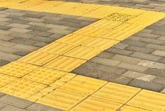 Blinde Bürgersteige des Ziegelsteines Lizenzfreie Stockbilder