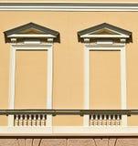 Blinde Fenster eines Hauses Stockbilder