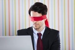 Blinde Geschäftsmannfunktion Stockfoto