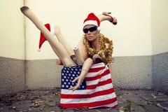 Blinde Körperteile mit Weihnachtsdekorationen Lizenzfreies Stockfoto