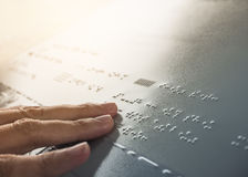 Blindenschrift-Alphabet, das blinden Kommunikation Öffentlichkeit Signage liest Stockbilder