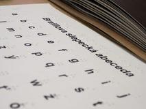 Blindenschrift-Schrift auf Buch-Welt Prag 2019 lizenzfreie stockfotografie