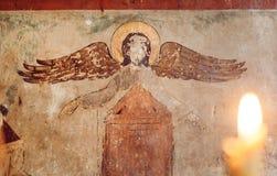 Blinder Engel auf dem alten Wandfresko von Svetitskhoveli-Kathedrale, errichtet im 4. Jahrhundert in Mtskheta, Georgia Lizenzfreie Stockfotografie