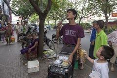 Blinder Sänger in Ho Chi Minh Lizenzfreies Stockfoto