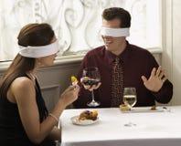 Blindfolds que desgastan de los pares Fotos de archivo libres de regalías