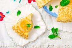 Blinistorte mit dem Zitronenklumpen Lizenzfreies Stockbild
