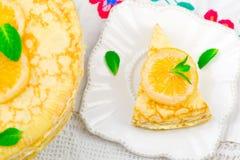 Blinistorte mit dem Zitronenklumpen Lizenzfreie Stockbilder