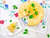 Blinistorte mit dem Zitronenklumpen Stockfotos