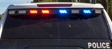 Blinkende Polizei-Lichter auf Fahrzeug Lizenzfreies Stockfoto