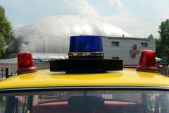 Blinklichter auf dem alten sowjetischen Polizeiwagen VAZ 2101 Stockfotografie