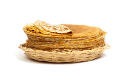 Blintzes oder russische Pfannkuchen Stockbilder
