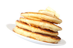 Bliny z miodem i masłem (wizerunek z ścinek ścieżką) Obrazy Stock