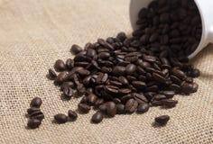 blisko burlap fasolę kawy, Zdjęcia Royalty Free
