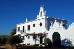 Blisko Fuente kraju dom wiejski Del Piedra, Hiszpania. fotografia royalty free