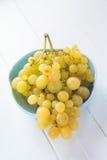 blisko klastrów w górę białych winogron Obraz Stock