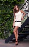 Blisko metali schodków ładna kobieta Obrazy Stock