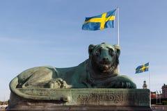 Blisko parlamentu domu w Sztokholm lwa sypialnej rzeźbie i S Fotografia Stock