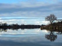 Blisko rzeki piękny zmierzch zdjęcie royalty free