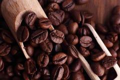 blisko tła ziarna kawy odosobnioną zdjęcie w bieli Obrazy Royalty Free
