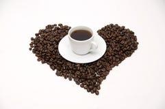 blisko tła ziarna kawy odosobnioną zdjęcie w bieli Zdjęcia Royalty Free